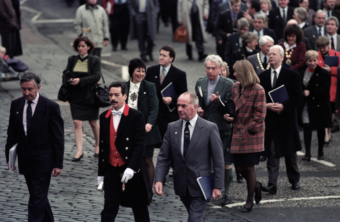Scottish political and civic leaders arriving at the General Assembly of the Church of Scotland, 30th November 1995. © Colin McPherson, all rights reserved.