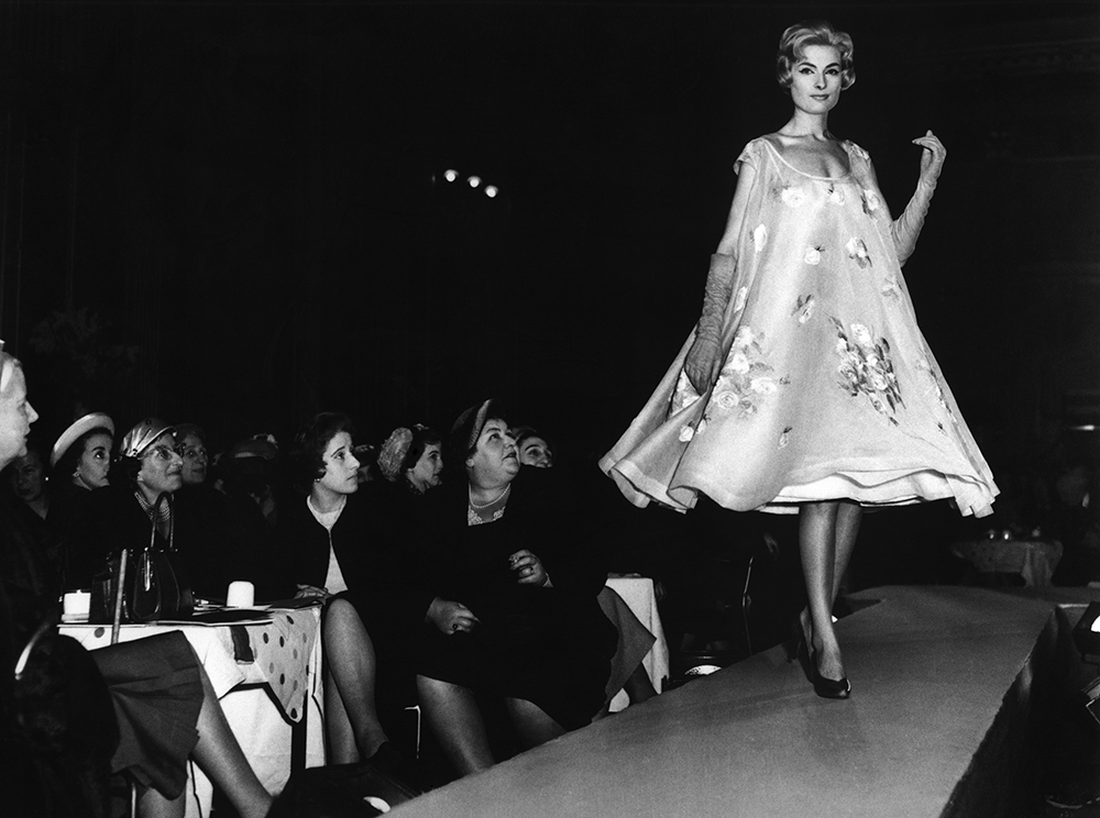 Glasgow Dior Fashion Show, 1957 © Harry Benson