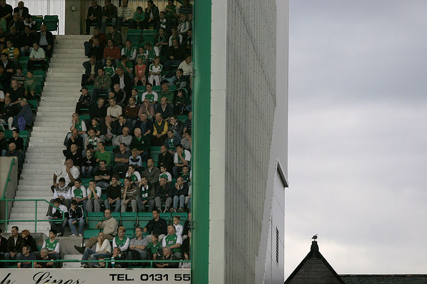 Hibs fans look on as a gull looks the other way at easter Road. Photo © Colin McPherson, 2006 all rights reserved.