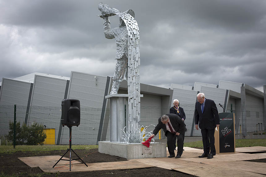 The unveiling ceremony of Steel Man. Photograph © Colin McPherson 2015, all rights reserved.
