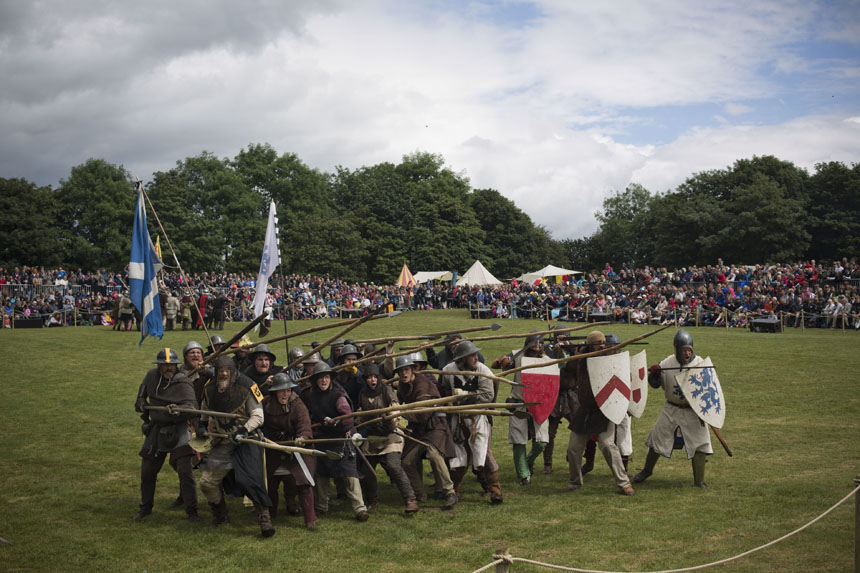 The Scots army pose for pictures. Photograph © Colin McPherson 2014, all rights reserved.