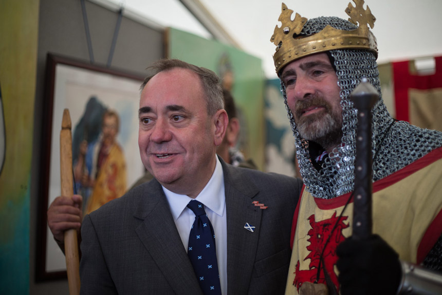 Robert the Bruce and Alex Salmond come face-to-face. Photograph by Jeremy Sutton-Hibbert 2014, all rights reserved.