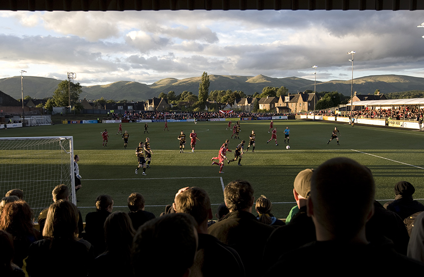 Alloa Athletic take on Aberdeen in the shadow of the Ochils. Photo © Colin McPherson, 2010 all rights reserved.