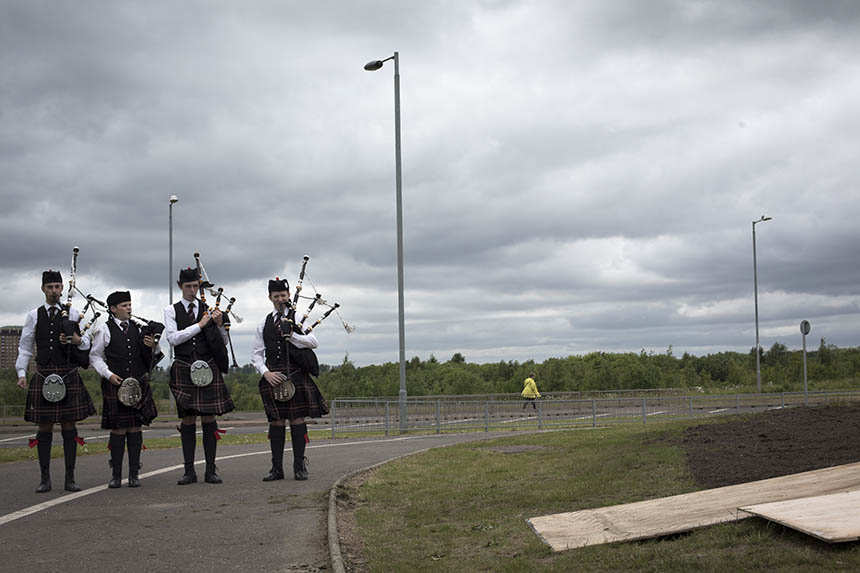 Pipers welcome guests to the Steel Man unveiling. Photograph © Colin McPherson 2015, all rights reserved.