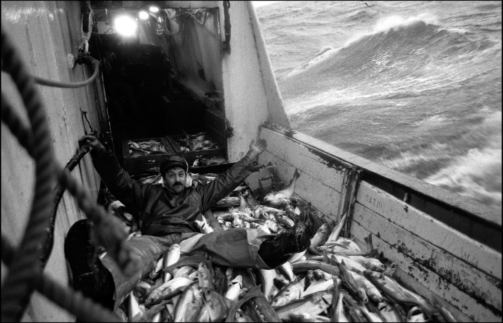 Aboard the seine netter 'Mairead', on the North Sea, 1993. ©Jeremy Sutton-Hibbert, all rights reserved.